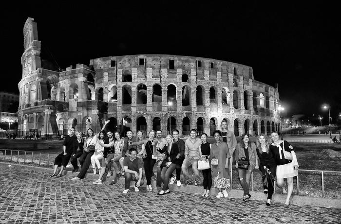 Collosseum by night, group of friend for wedding in Rome