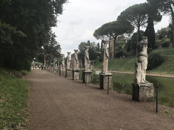 the sculptures at villa hadrian