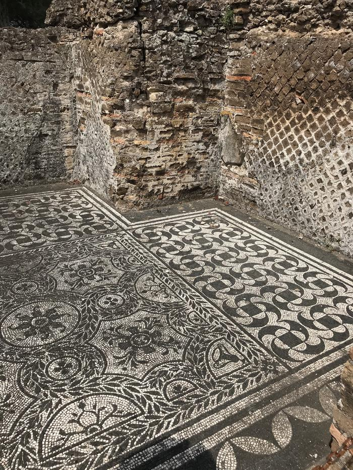 Villa Hadrian and the mosaic floors