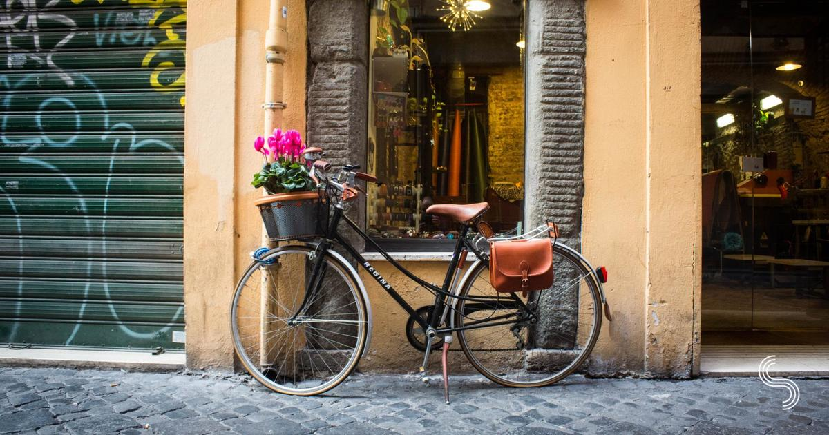 A Guide to Authentic Gift Ideas from Rome